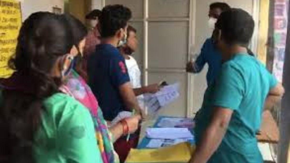बिहार चुनाव पहले चरण के लिए सभी 71 सीटों पर मतदान हुए समाप्त, छिटपुट हिंसा की खबर