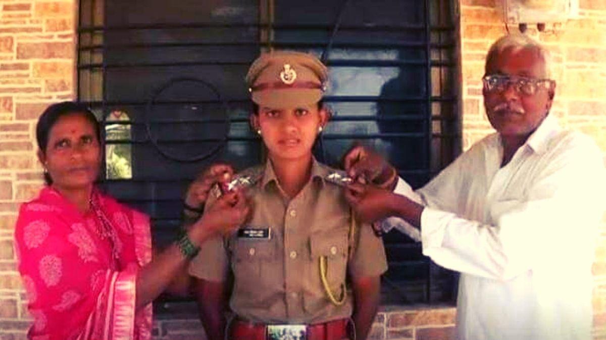 Tejal Aher Maharashtra police pcs officer